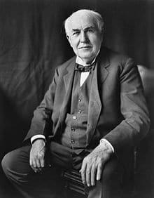 """""""Genius is one percent inspiration, ninety-nine percent perspiration."""" - """"Thiên tài là một phần trăm cảm hứng, chín mươi chín phần trăm mồ hôi."""" – Thomas Alva Edison,"""